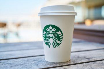 Starbucksbecher